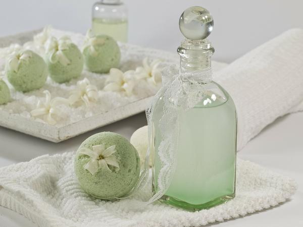 Zalety musujacych kul do kąpieli – czas na relaks